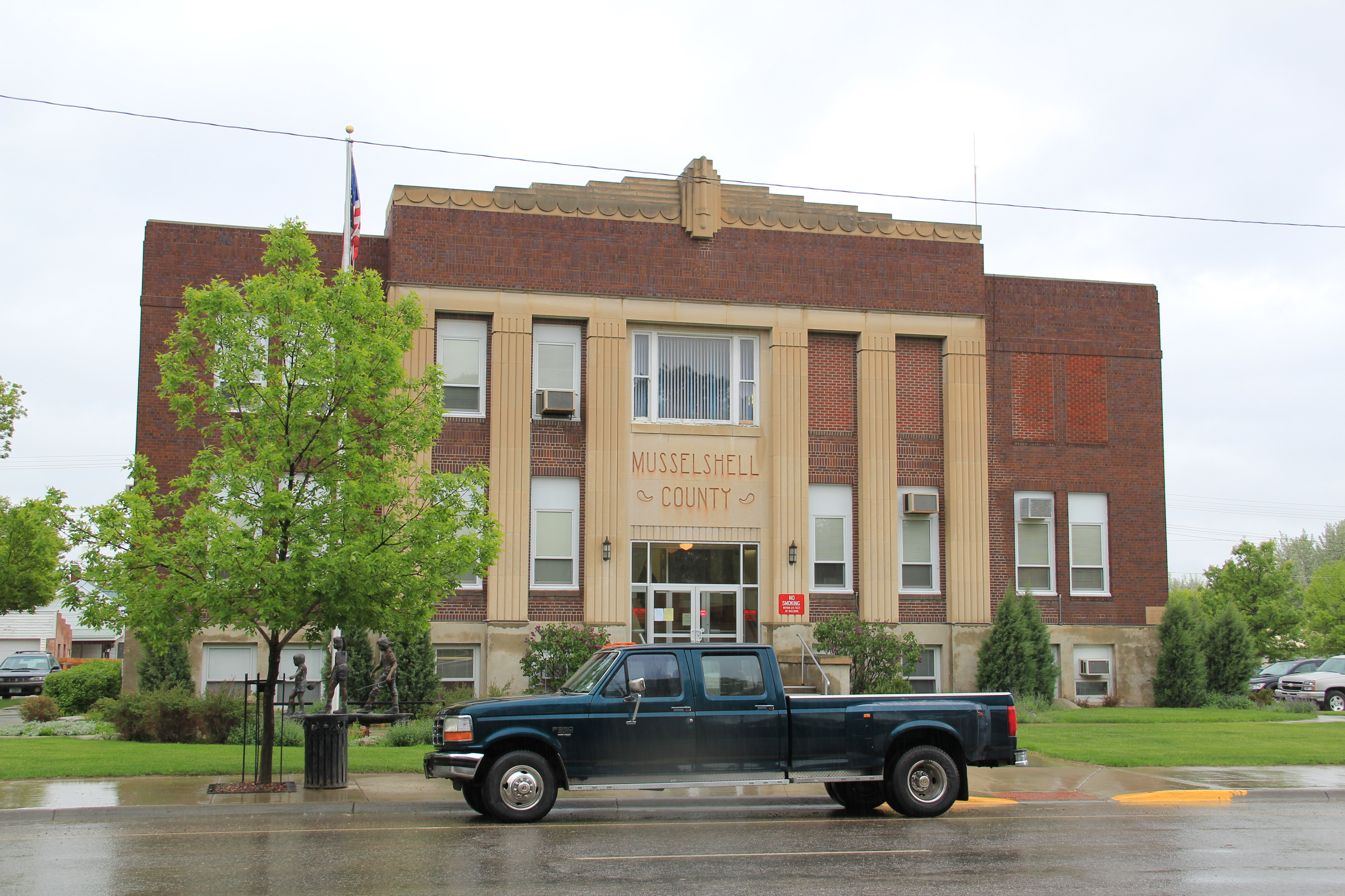 Montana mccone county circle - My Second Example For Today S Post Comes From Tiny Hingham A Great Northern Railroad Town In Hill County In 2010 Its Population Was Just Over 100 But The