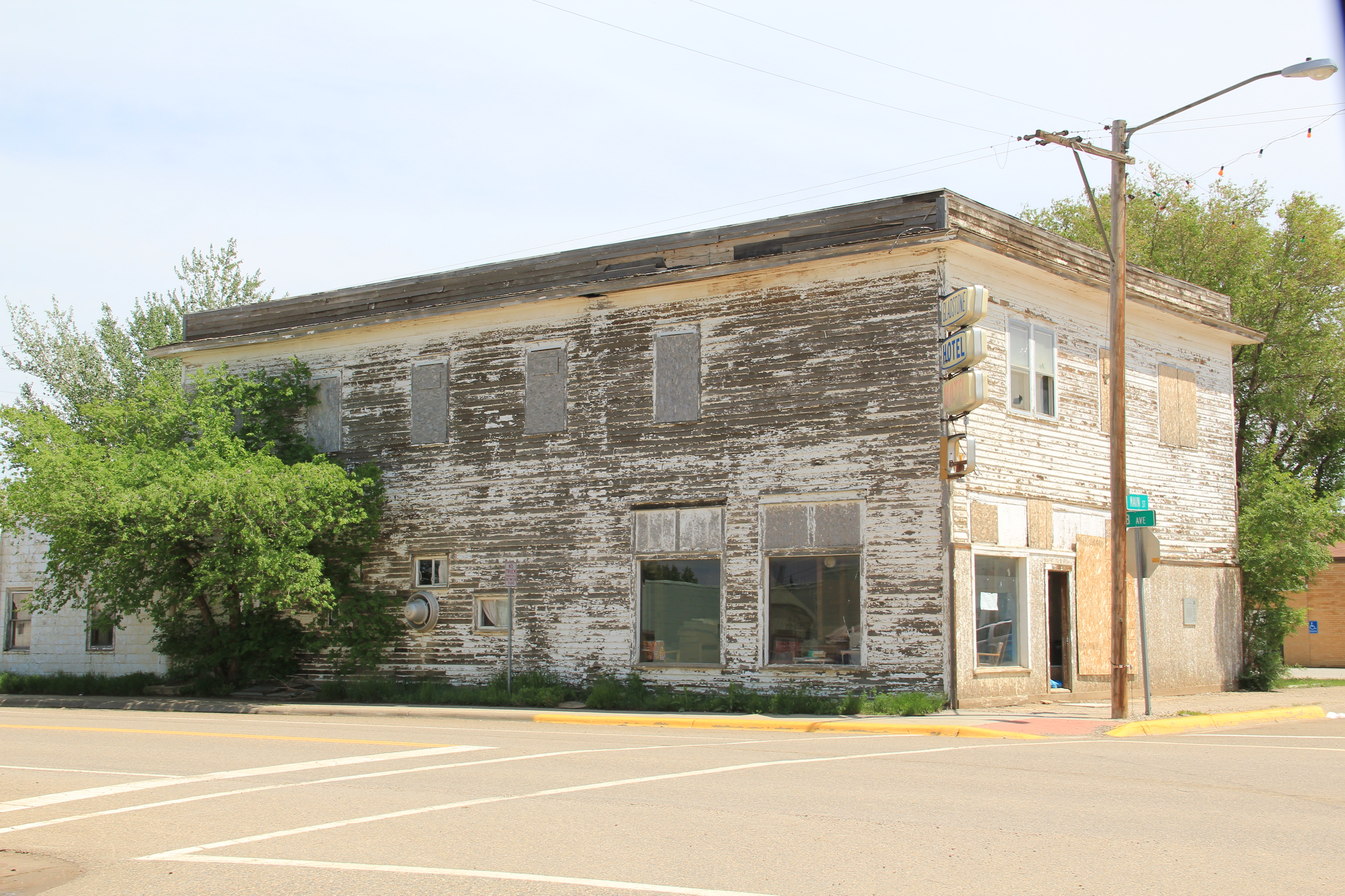 Montana mccone county circle - Montana Towns Had Long Ago Lost Their Homesteading Boom Era Hotels Or Boarding Houses Circle Still Had Theirs And One That Literally Creaked Of History As