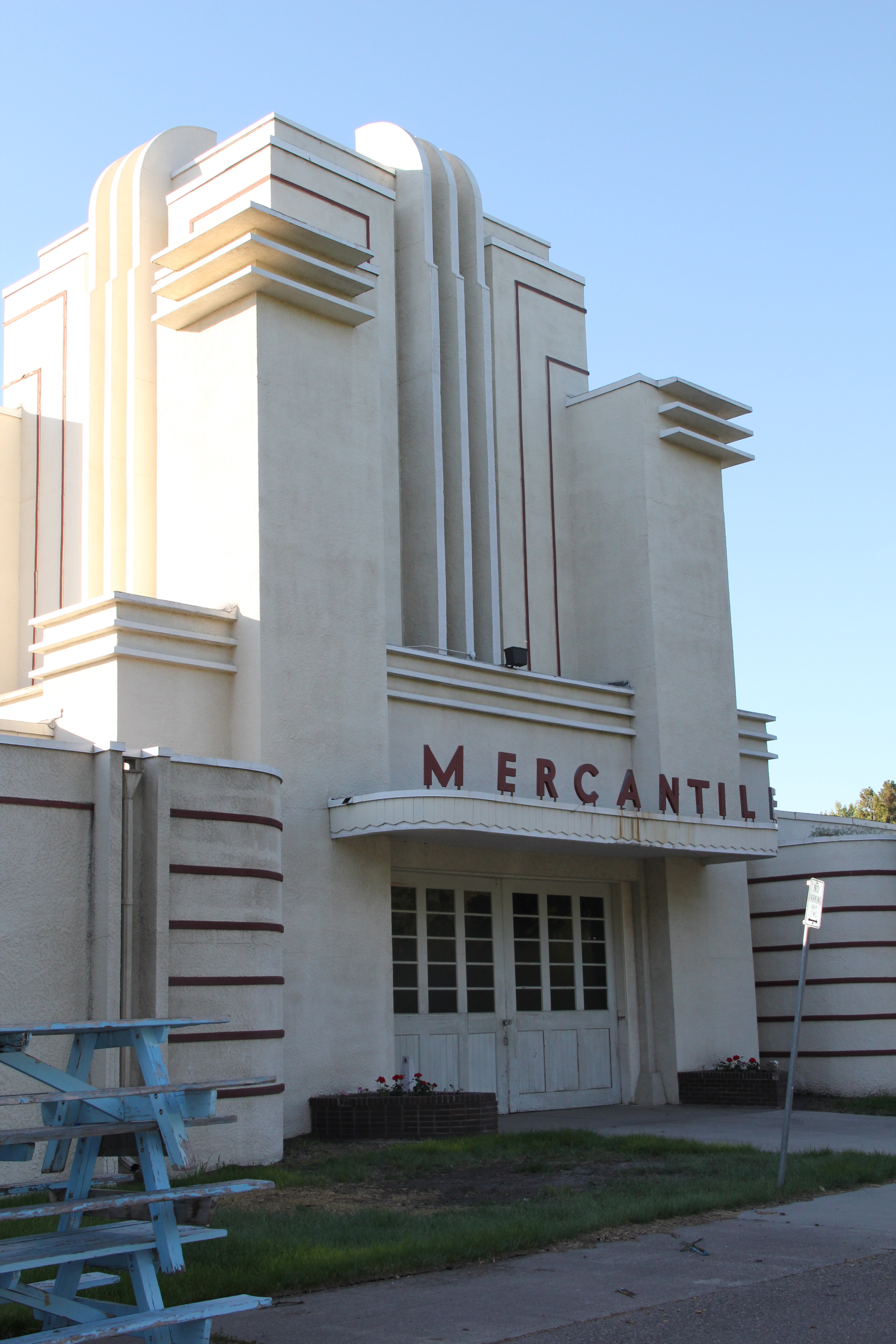 The works progress administration added these buildings in 1937 the mercantile building is art deco design at its best linear hard edged and projecting