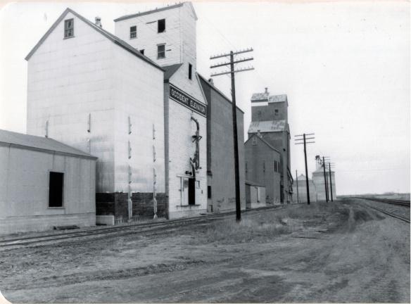 Grain elevators on Great Northern line, 1984