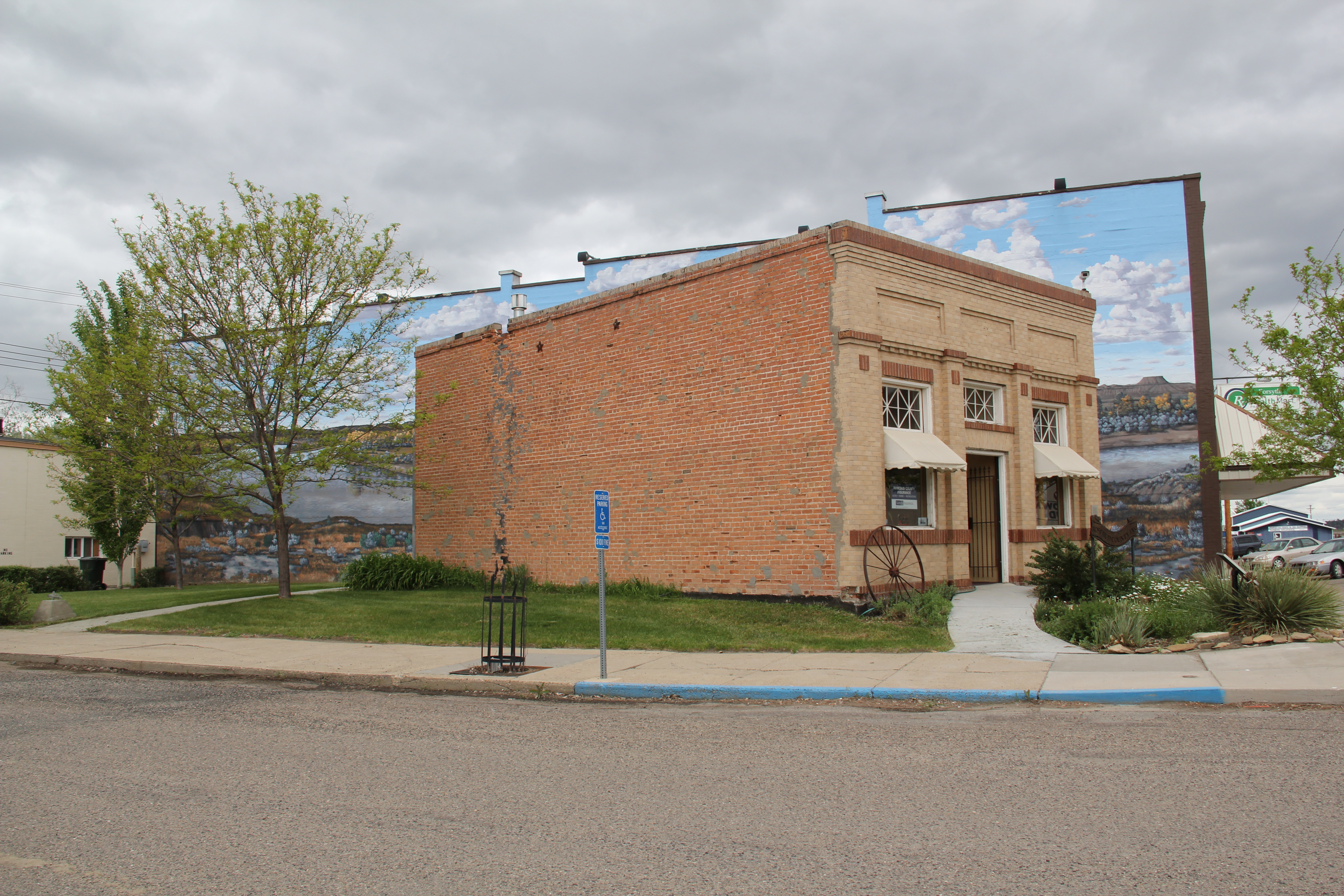 Montana rosebud county forsyth -  I Came Into Forsyth And Stopped At Something New At The Town S Most Prominent Crossroads At Main And 10th Avenue It Was The Vananda State Bank