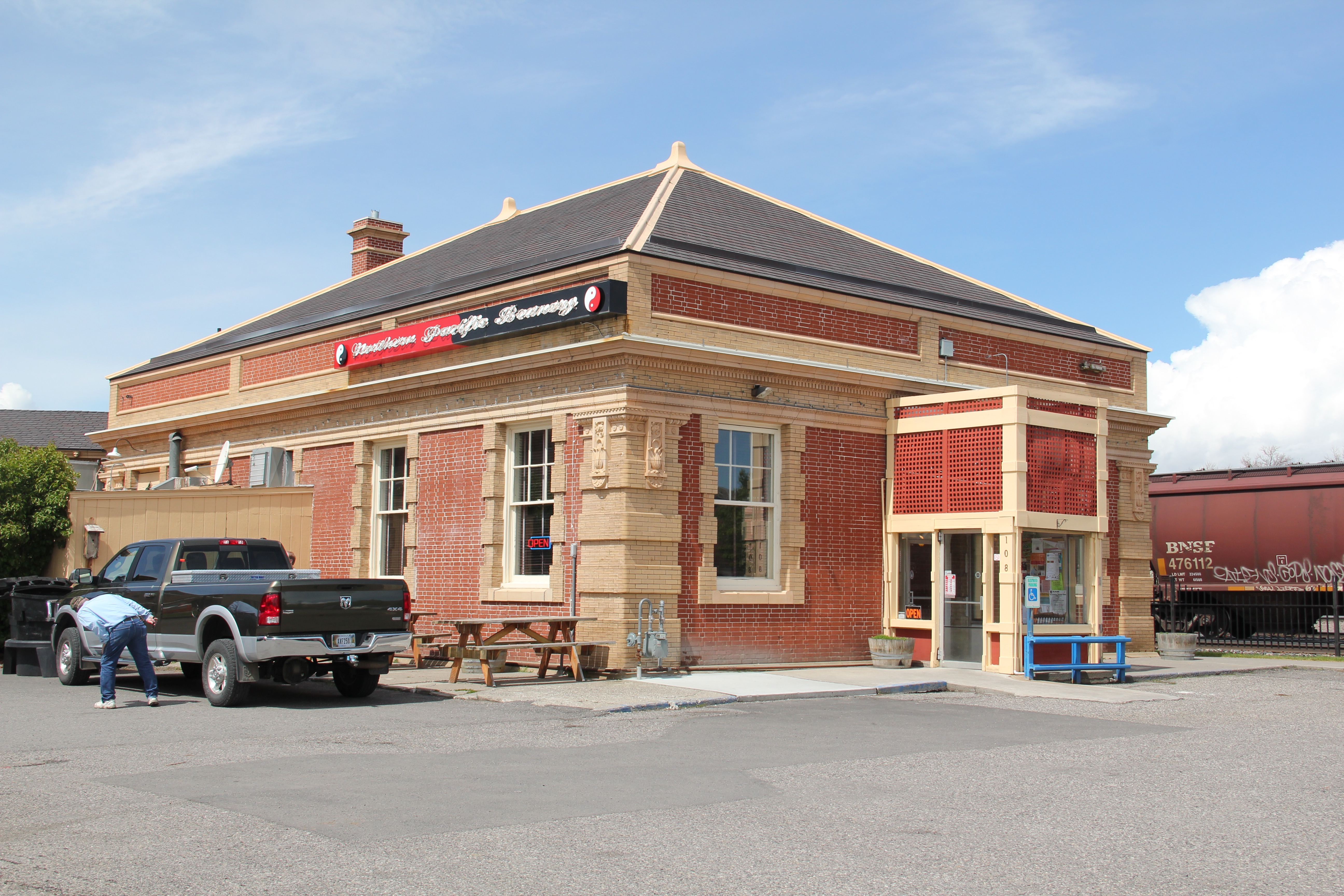 Park Co Livingston NP depot 11