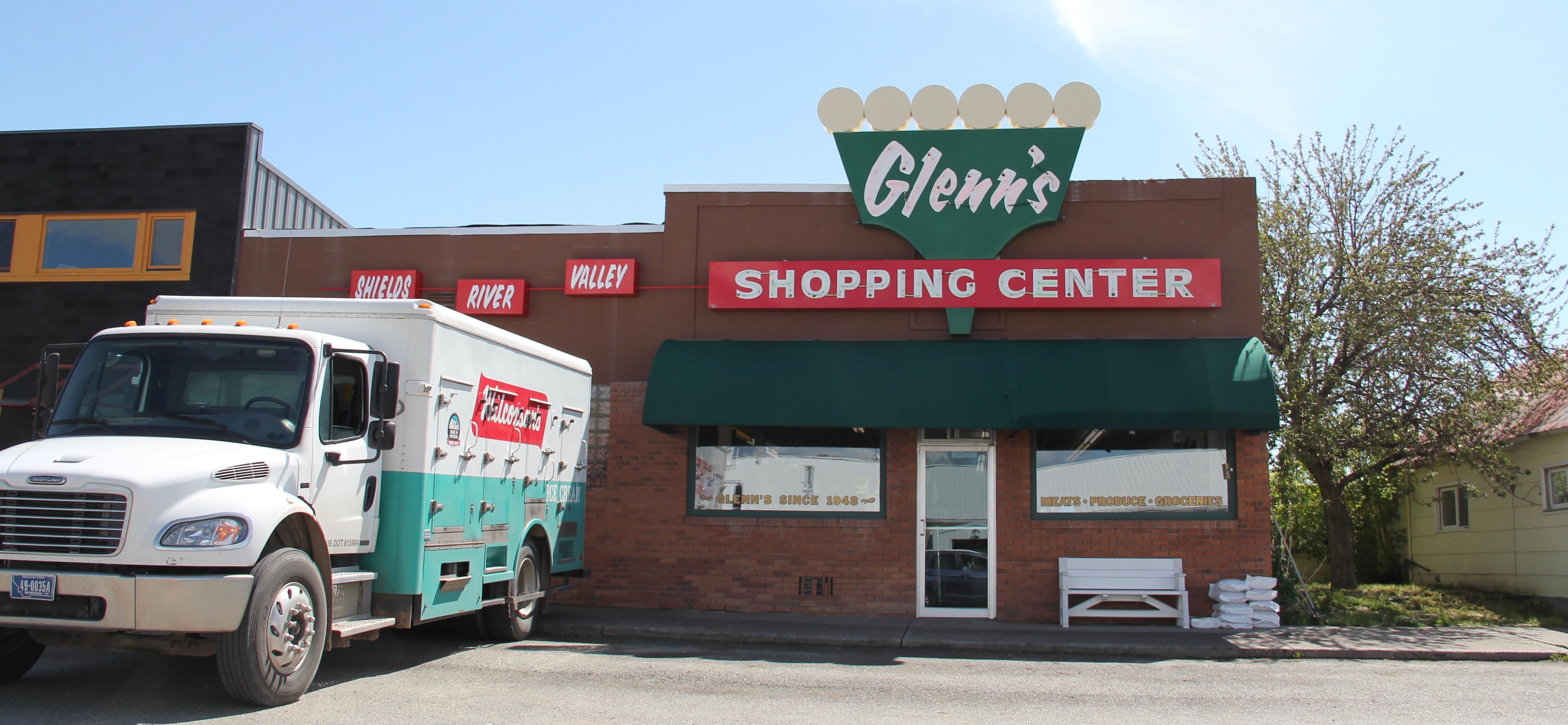 Park Co US 89 Clyde Park stores 1