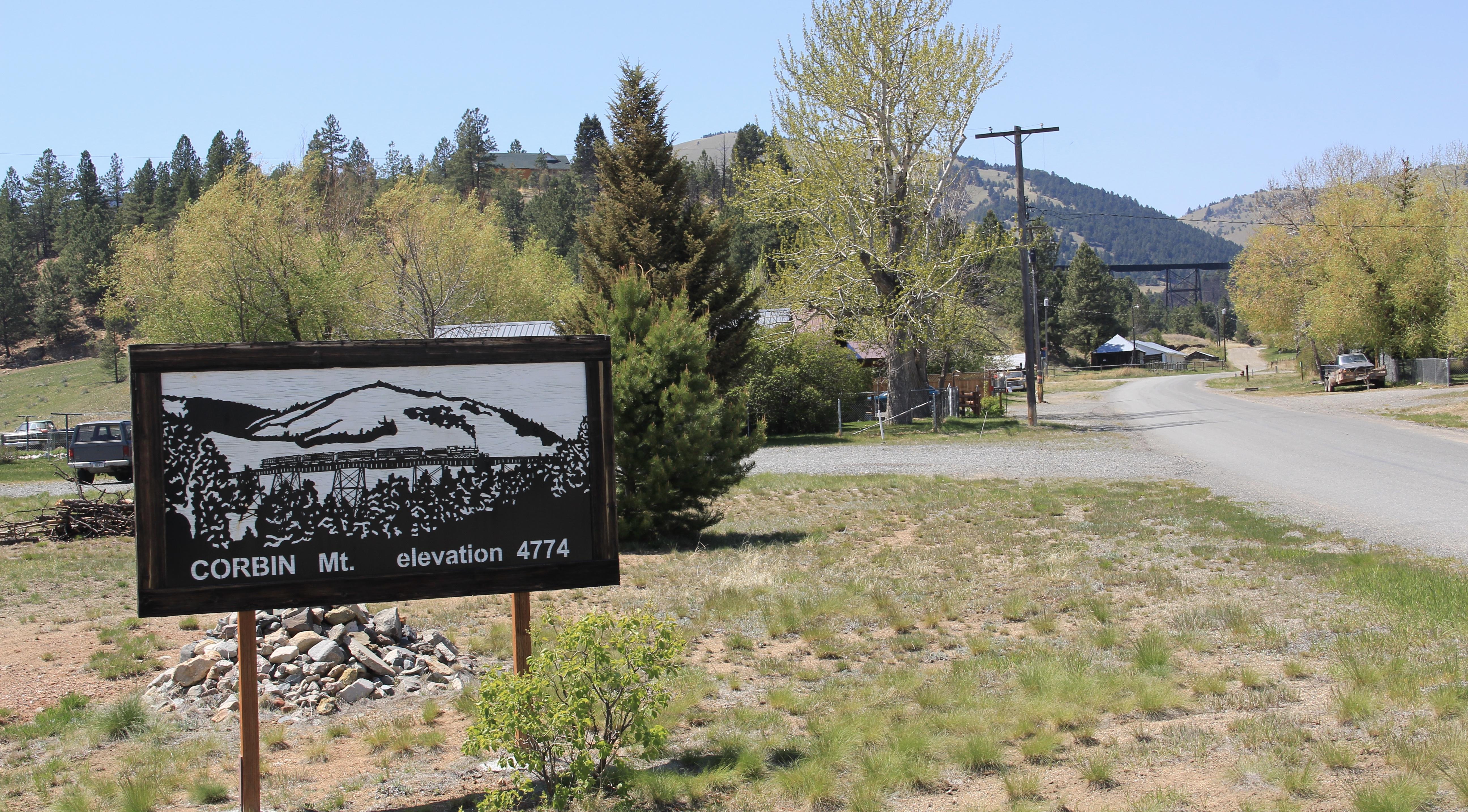 Corbin sign and trestle