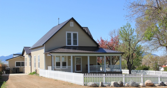 Mill Street house, fence, Sheridan