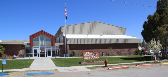 Twin Bridges school