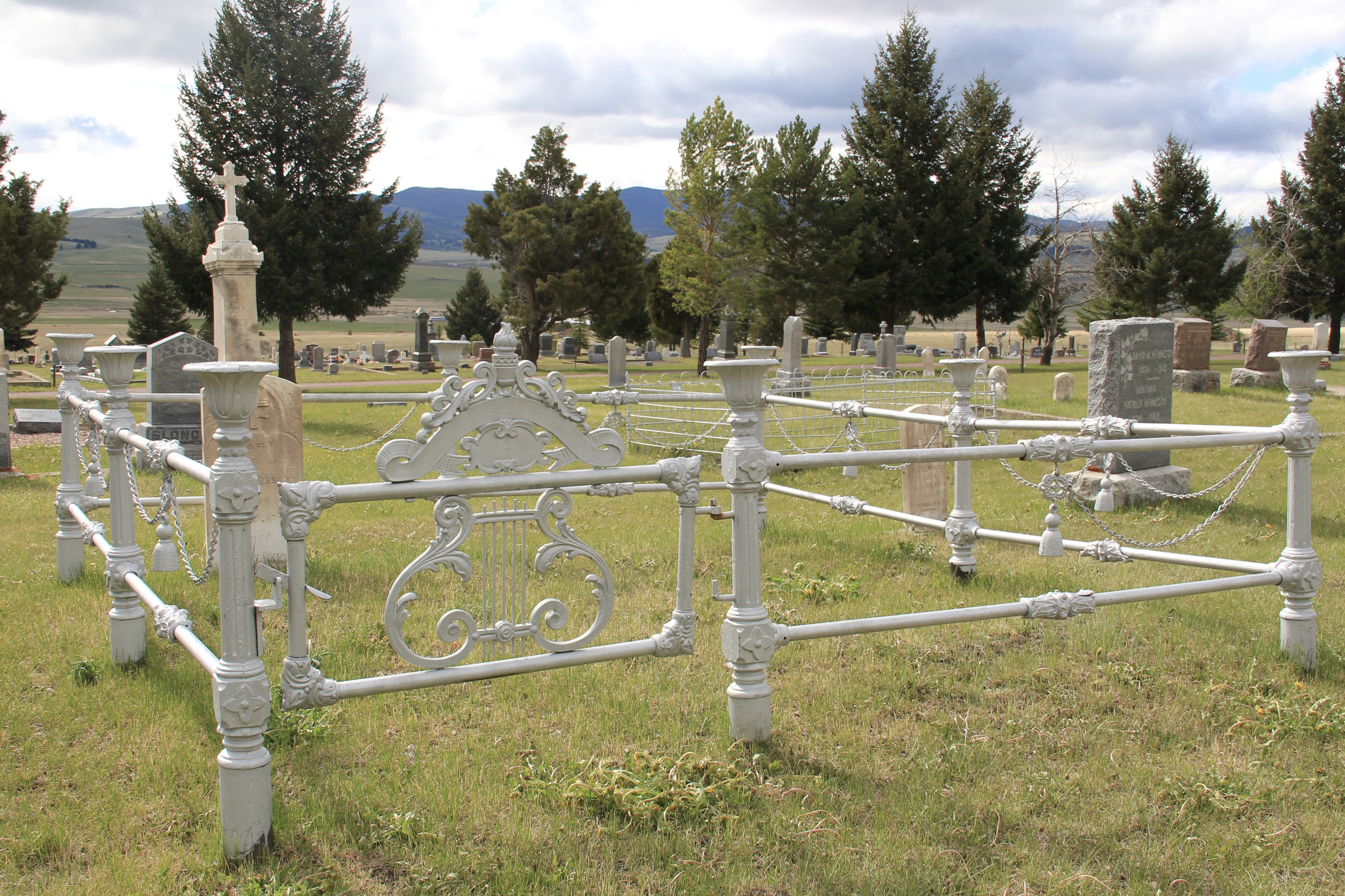 Phillipsburg Cemetery, metal gate