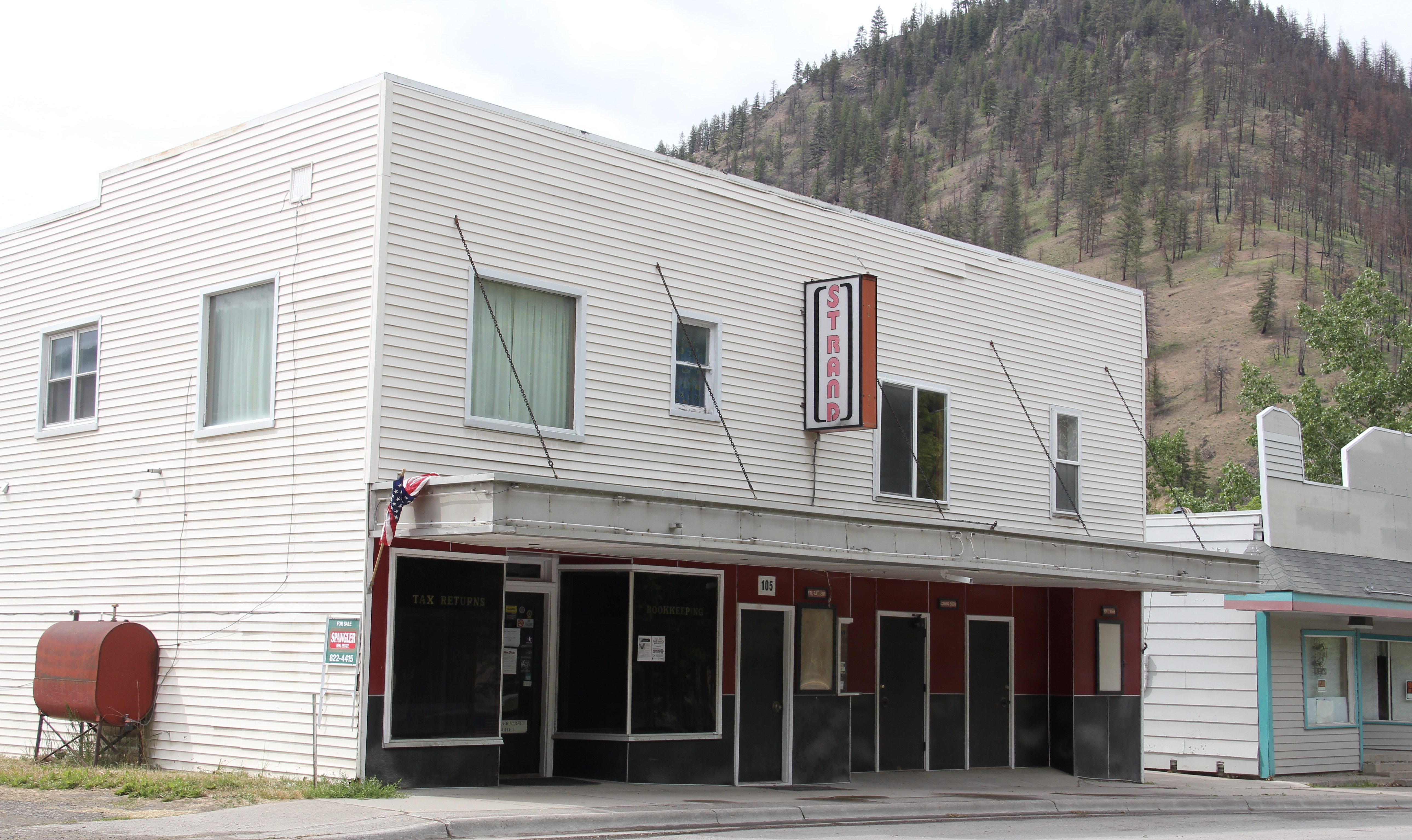 Mineral Co Superior 6 movie theater