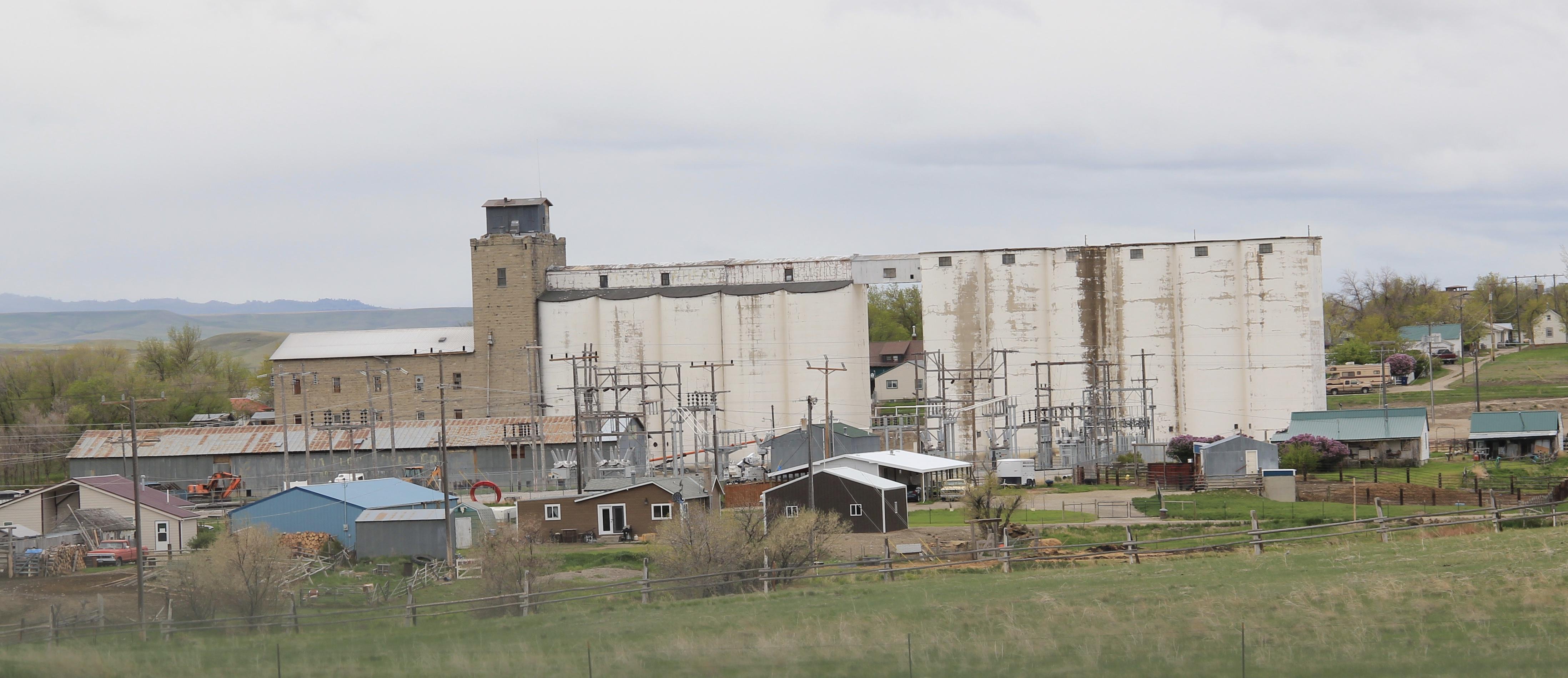 Wheatland Co Harlowton concrete elevators 2