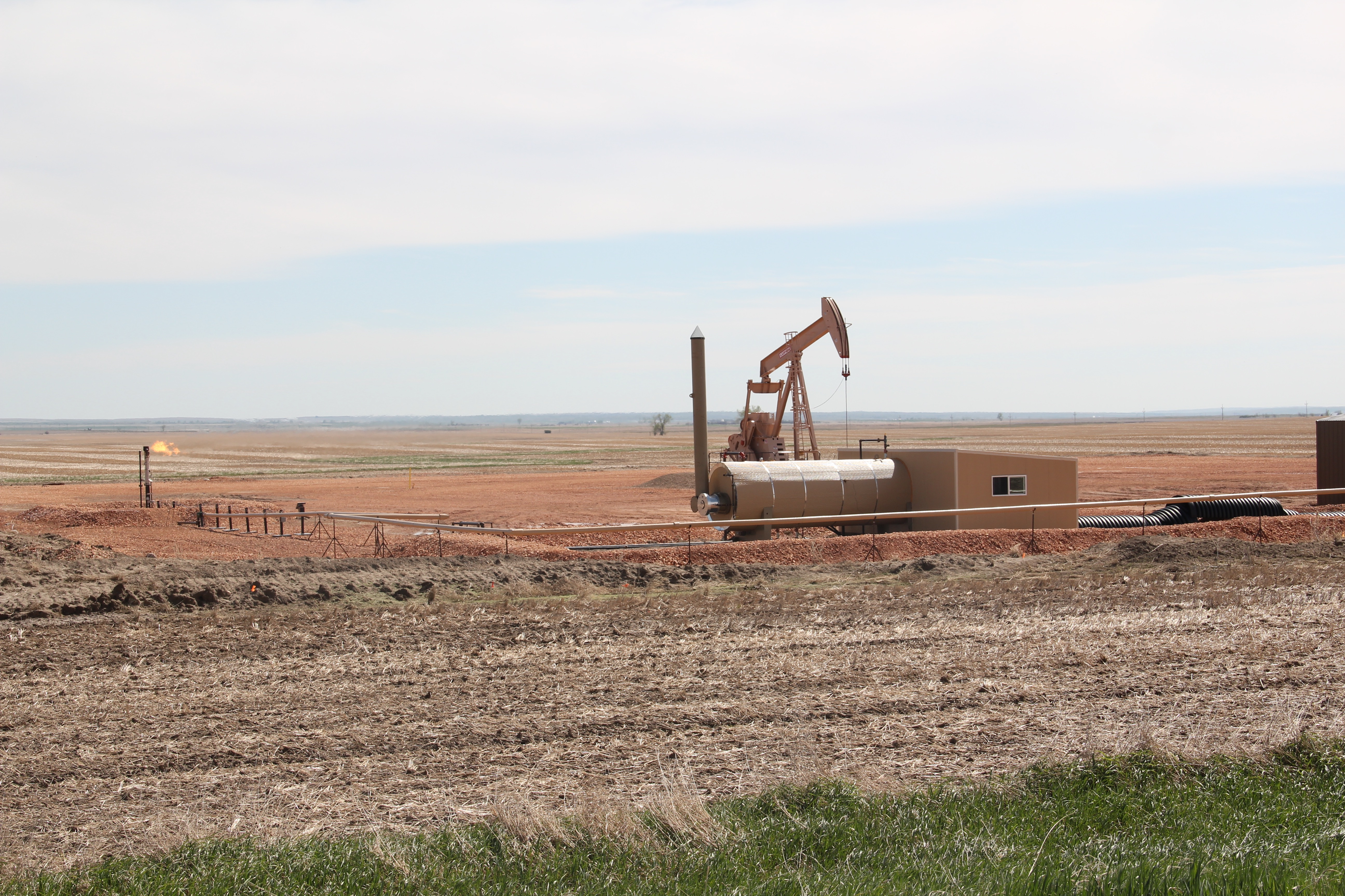 Sheridan Co Homestead oil well