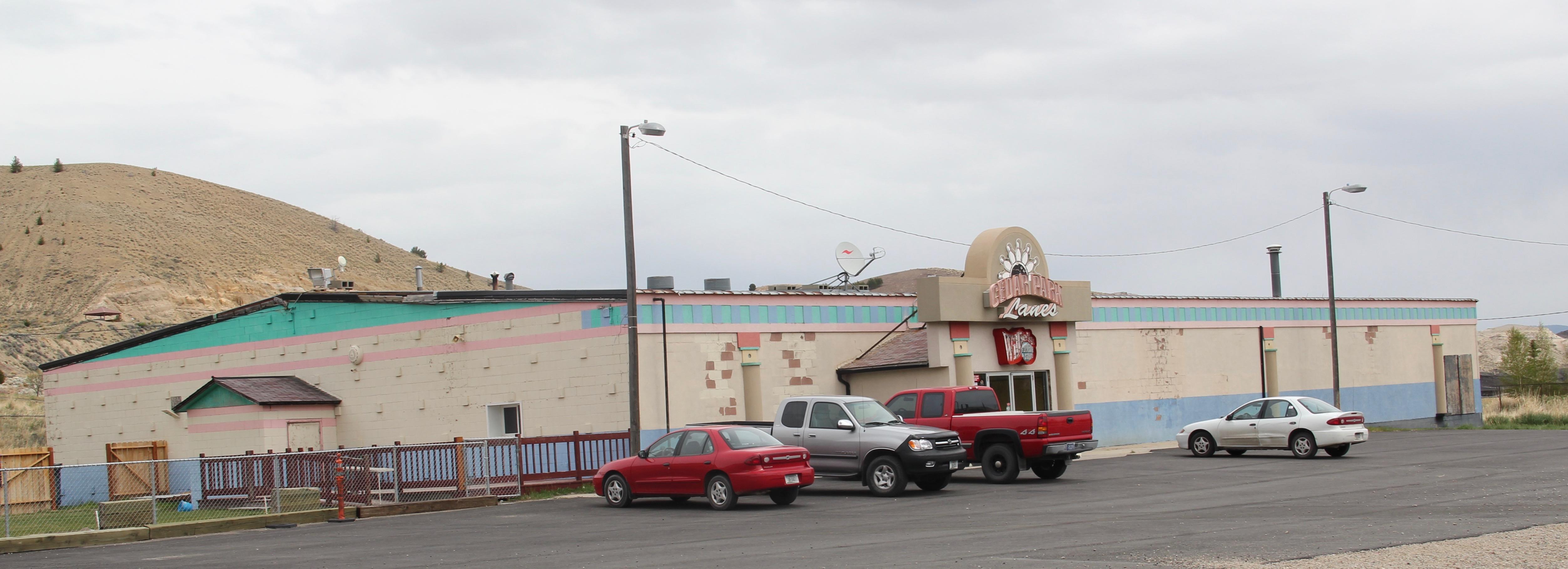 Cedar Park Bowling Lanes, N side