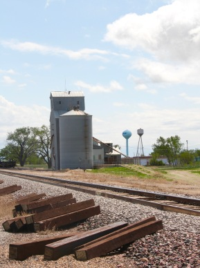 Fraser elevators and railroad corridors