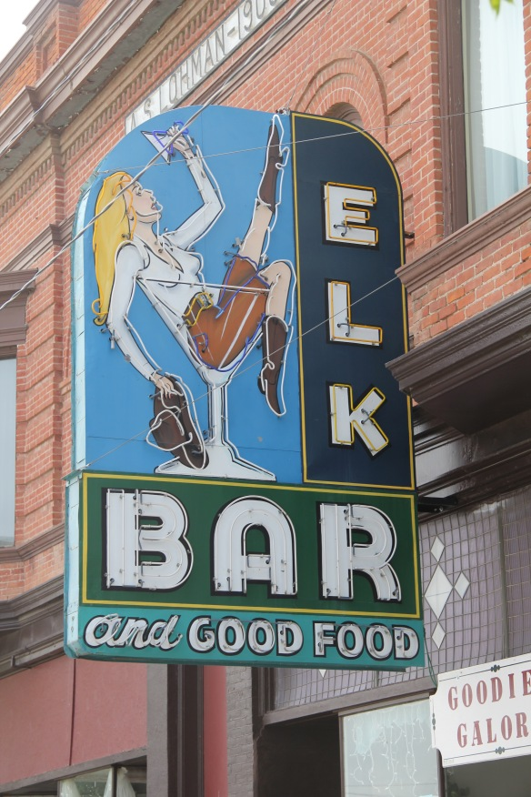 Blaine Co Chinook Elk Bar sign NR